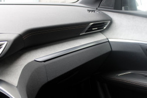 PEUGEOT 3008 2.0 BLUEHDI 180CH GT S S EAT6